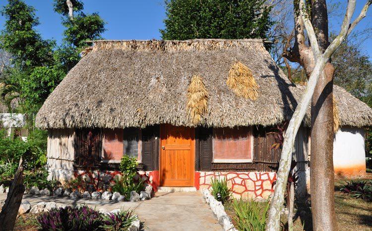 L'hébergement confortables des voyageurs, sur le modèle des chozas traditionnelles mayas