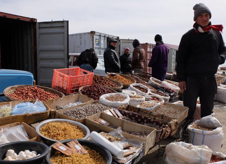 TDS Voyage solidaire ouzbekistan marché Ayaktchi