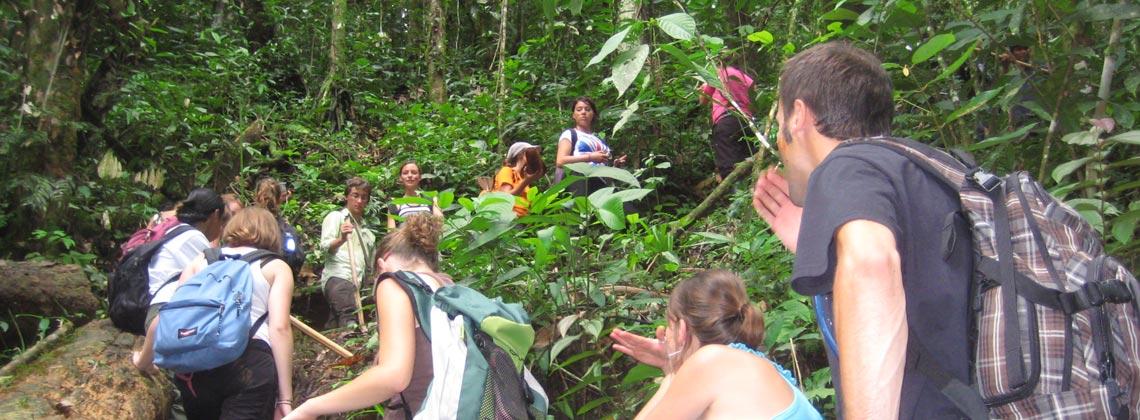 Flor, accompagnatrice francophone tourisme solidaire en Équateur