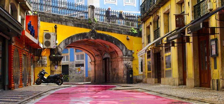 TDS Voyage - Tourisme équitable et solidaire - Lisbonne - Cais do Sodré - Pink Street